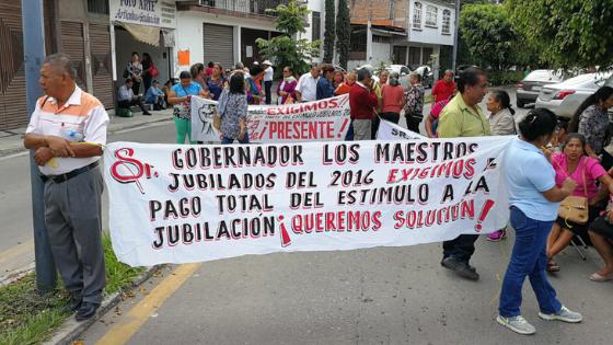 Acusan que Gobierno de Guerrero debe 90 millones en jubilaciones a maestros
