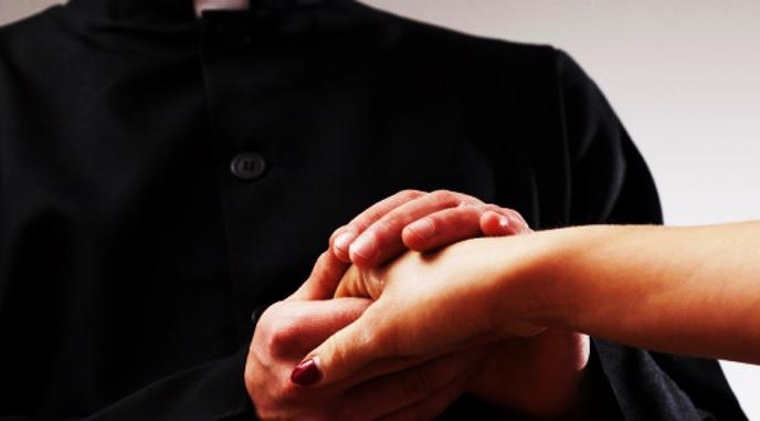 <i>¿Libertad sexual?</i> Sacerdotes católicos podrían poner fin al celibato
