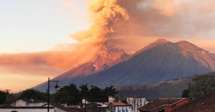 <i>¡Alerta!</i> Entra en erupción el Volcán de Fuego en Guatemala
