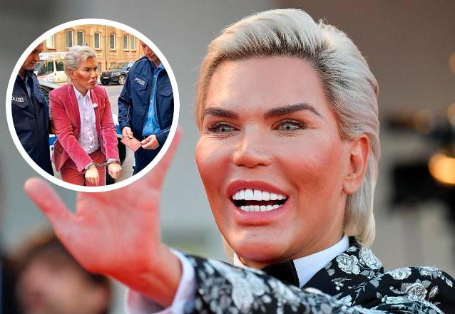 Arrestan al Ken humano por no parecerse a la foto de su pasaporte