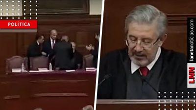 ¿Nervioso? Presidente de la SCJN casi se desmaya frente a AMLO (VIDEO)