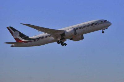 ¡Se fue! Avión presidencial <i>dice adiós</i> a México; vuela con destino a California