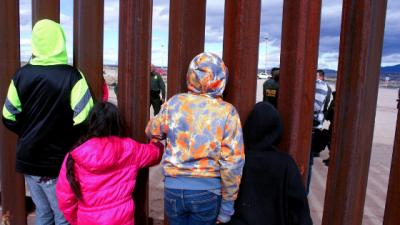 Migrante cruza la frontera a punto de dar a luz y su bebé nace en Estados Unidos