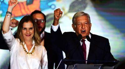 Beatriz Gutiérrez Müller publica foto con AMLO para mandar mensaje de Año Nuevo. Noticias en tiempo real