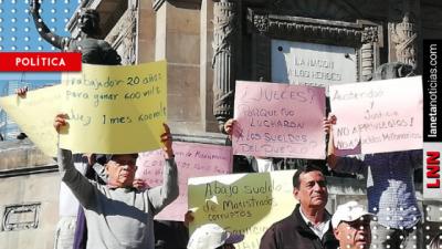 ¡Porque se pasan de lanza! Ciudadanos protestan contra sueldazos en la SCJN