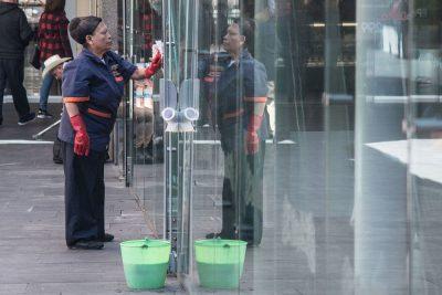 SCJN ordena inscribir a empleadas domésticas al IMSS y dejar de excluirlas