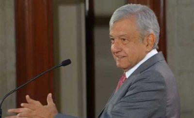 AMLO reconoce a Daniel Cabrera como 'el mejor periodista que ha existido'