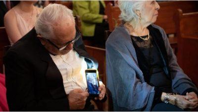 Abuelito causa sensación en redes por tierna muestra de amor