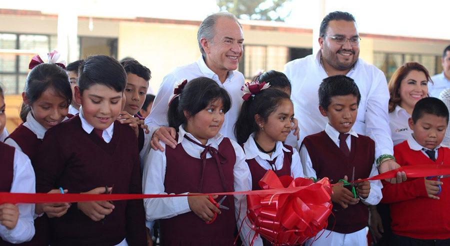 Juan Manuel Carreras entrega infraestructura educativa en San Luis Potosí