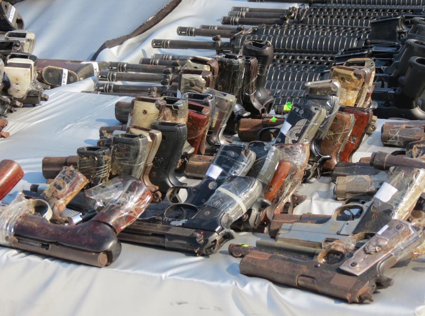 Omar Fayad anuncia campaña para canjear armas en Hidalgo