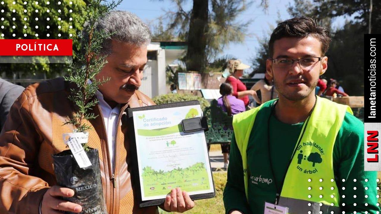 Carlos Lomelí se une al programa de reforestación en Guadalajara