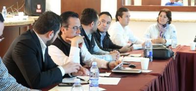 Cuitláhuac García prevé más de 5 mmdp para proyectos carreteros en Veracruz