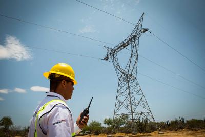 Sener anuncia iniciativa para reducir costos de operación en CFE