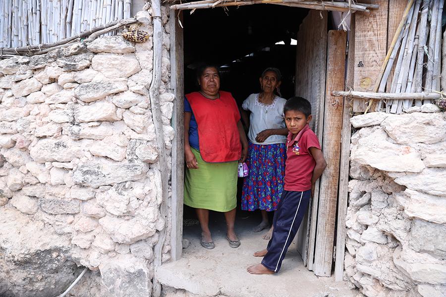 Bienestar anuncia 300 mmdp para mejorar condiciones de vida de los más pobres