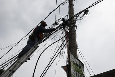 CFE publica prebases de fibra óptica para que haya internet gratis en el país