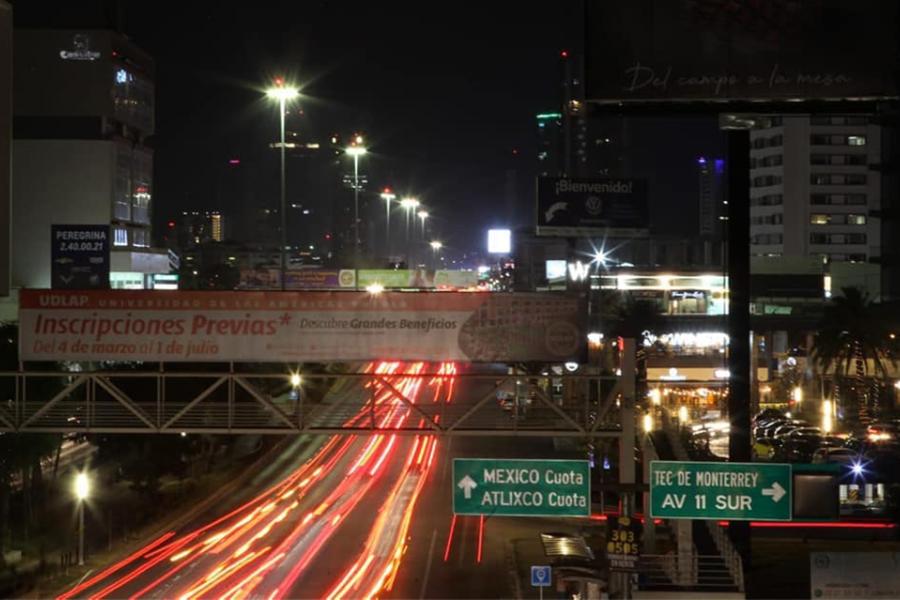 Vía Atlixcáyotl se ilumina nuevamente tras acuerdo entre Guillermo Pacheco y CFE