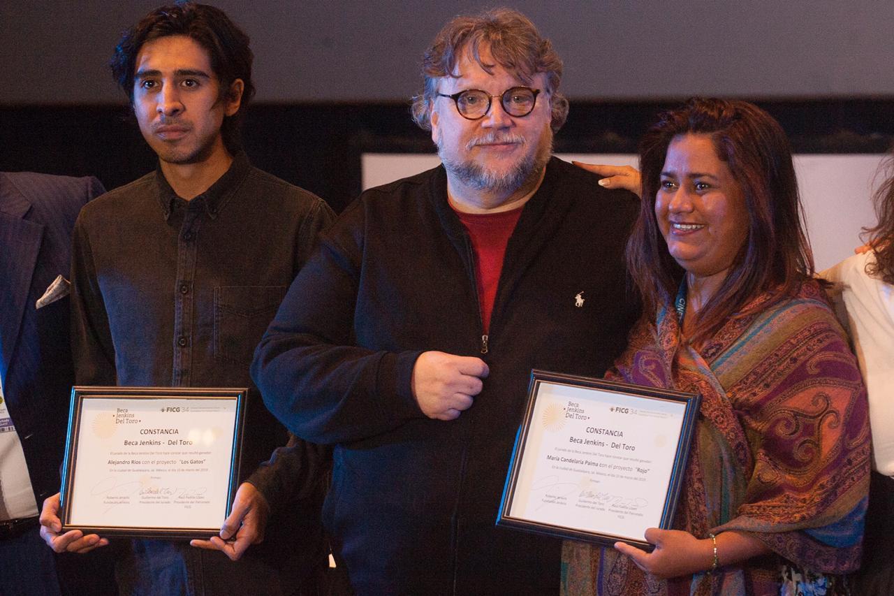 Orgullo mexicano: Del Toro pone lana de su bolsa para que jóvenes estudien