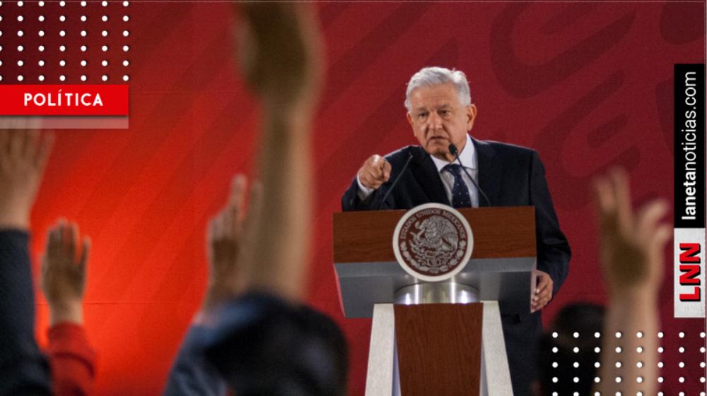 Políticos atacan a AMLO por esta imagen: afirman que quiere volverse un dictador