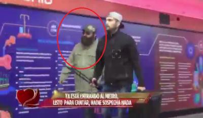 Image result for ¿JULIÓN ÁLVAREZ, UN VAGO? SORPRENDE AL PÚBLICO EN EL METRO DE CDMX