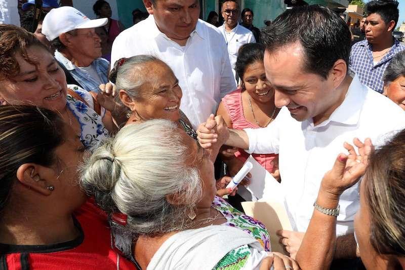 Mauricio Vila presenta iniciativas de protección jurídica para mujeres yucatecas
