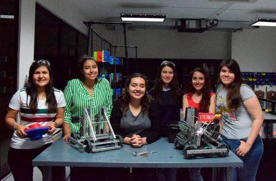 Seis mujeres representan a México en mundial de robótica VEX 2019