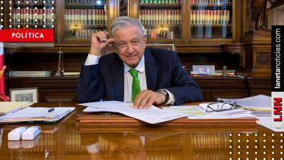 AMLO firma memorándum para invalidar reforma educativa de Peña Nieto