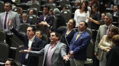 Diputado priista asegura que reforma laboral es un 'fraude a la Constitución'