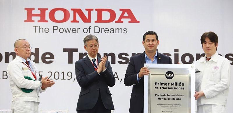 Sinhue y Honda celebran producción de 1 millón de transmisiones en Guanajuato