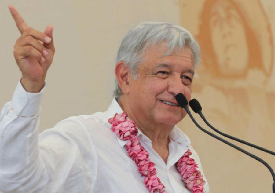 AMLO anuncia subasta de autos de lujo en Los Pinos el próximo domingo. Noticias en tiempo real