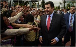 Detienen a Nasson Joaquin Garcia de la Luz del Mundo; imputan delitos sexuales