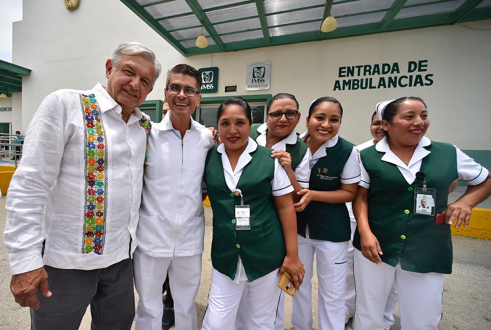 Jóvenes entonan ante AMLO singular canción en honor a la Huasteca. Noticias en tiempo real