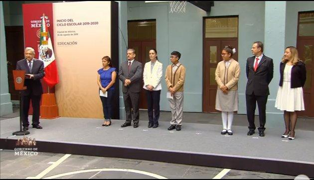 AMLO inaugura ciclo escolar 2019; reitera apoyo a estudiantes y maestros del país