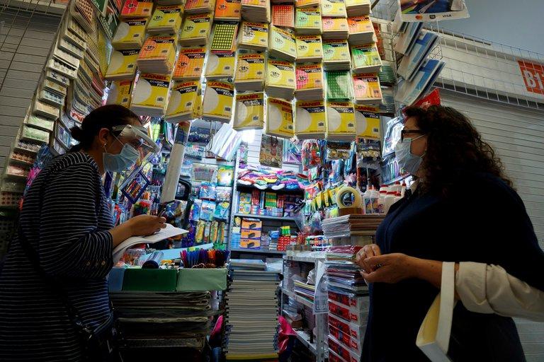 Cae 40% la venta de útiles escolares en México