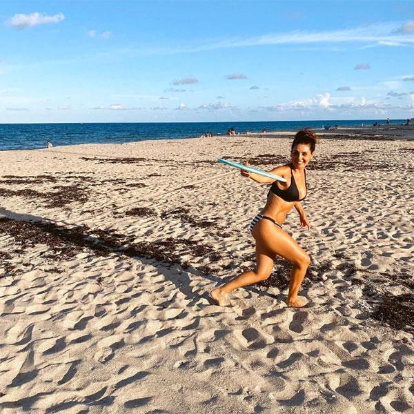 Mayrín Villanueva en bikini