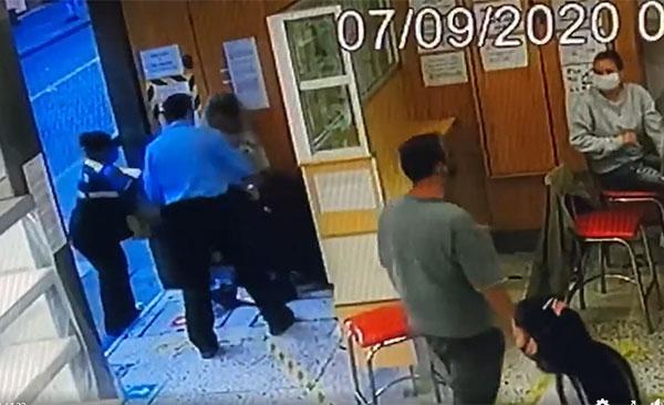 Lady Agresiva golpea a mujer en una panadería y video se hace viral