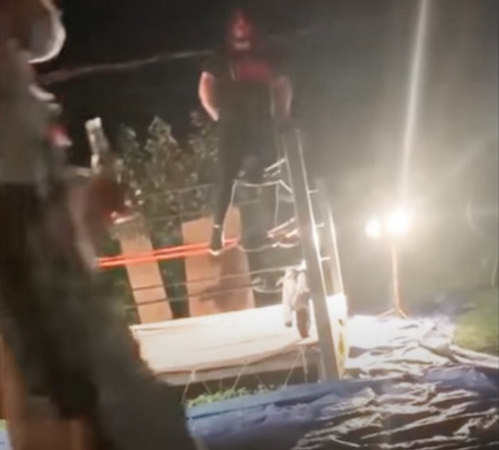 Aterra video de luchador que se rompió las piernas en plena función