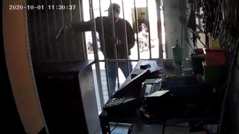 Sicario ejecuta a hombre en Celaya y hasta le toma una fotografía