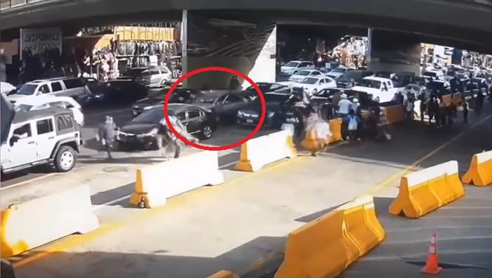 Circula video de hombre que murió tras chocar en Garita de San Ysidro