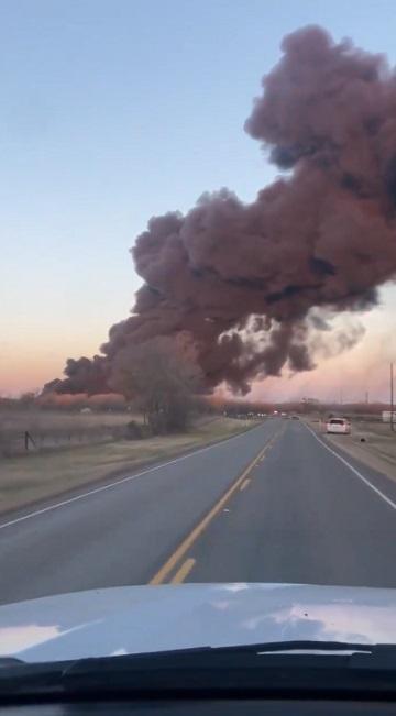 Difunden video de explosión de tren cargado de combustible