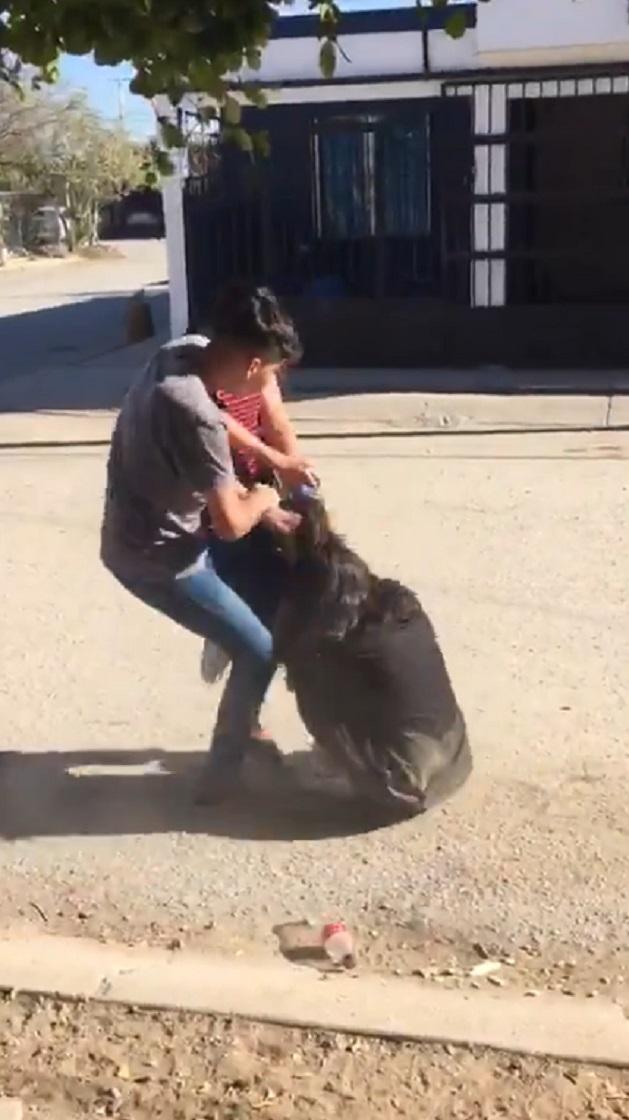 Video de brutal pelea de jovencitas en Hermosillo