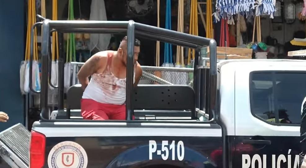 ¡A machetazos! Así captaron pelea de choferes de combi en Puebla (VIDEO)
